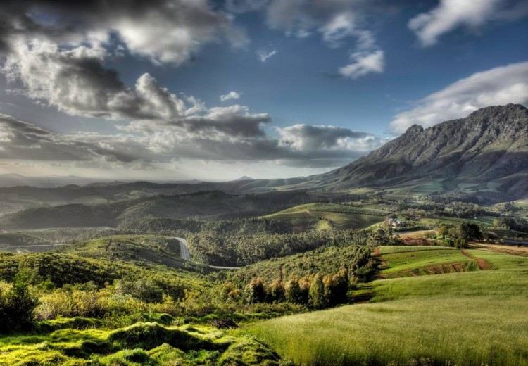 Delaire_with_Simonsberg_Stellenbosch_South_Africa
