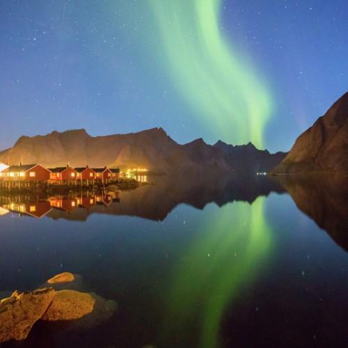 Northern-lights-Hamnoy-Lofoten-Norway