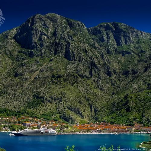 Montenegro_12-kotor-cruiser-old-town