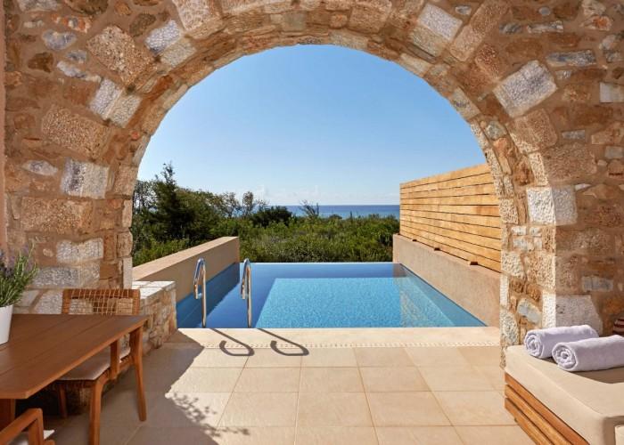 The-Westin-Resort-Costa-Navarino-Costa-Navarino-Premium-Infinity-Room