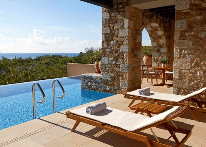 The-Westin-Resort-Costa-Navarino-Premium-Infinity-Suite-Pool
