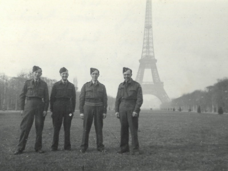 William_Williams Eiffel Tower 1944