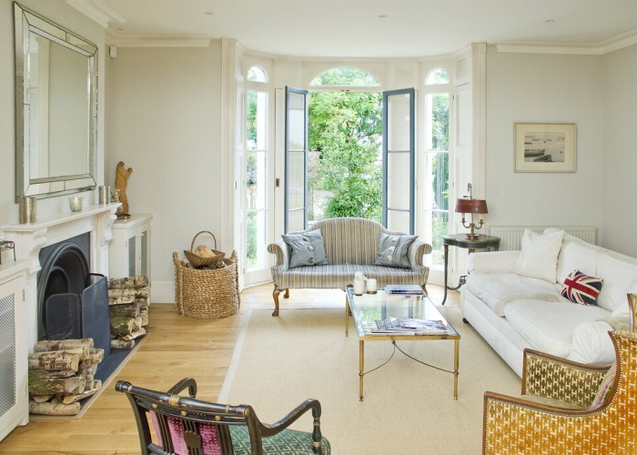 lounge+with+french+windows