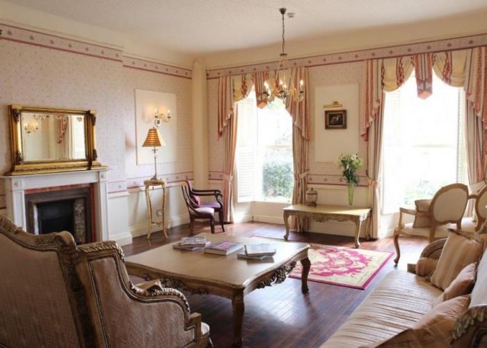 La Haule Manor
