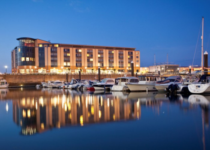 DESTINATIONS  OFFERS BROCHURES  QUOTES  INFORMATION  RADISSON BLU WATERFRONT HOTEL