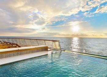 Viking-Ocean-Ship-infinity-pool-702x459@2x